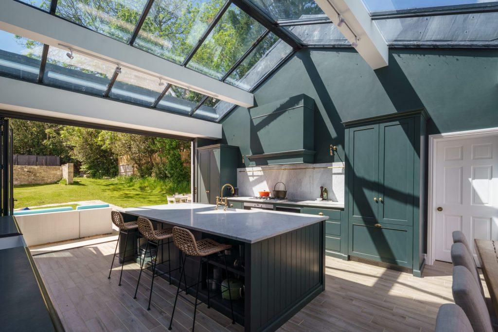 Kitchen, Glass Roof, Kitchen Island