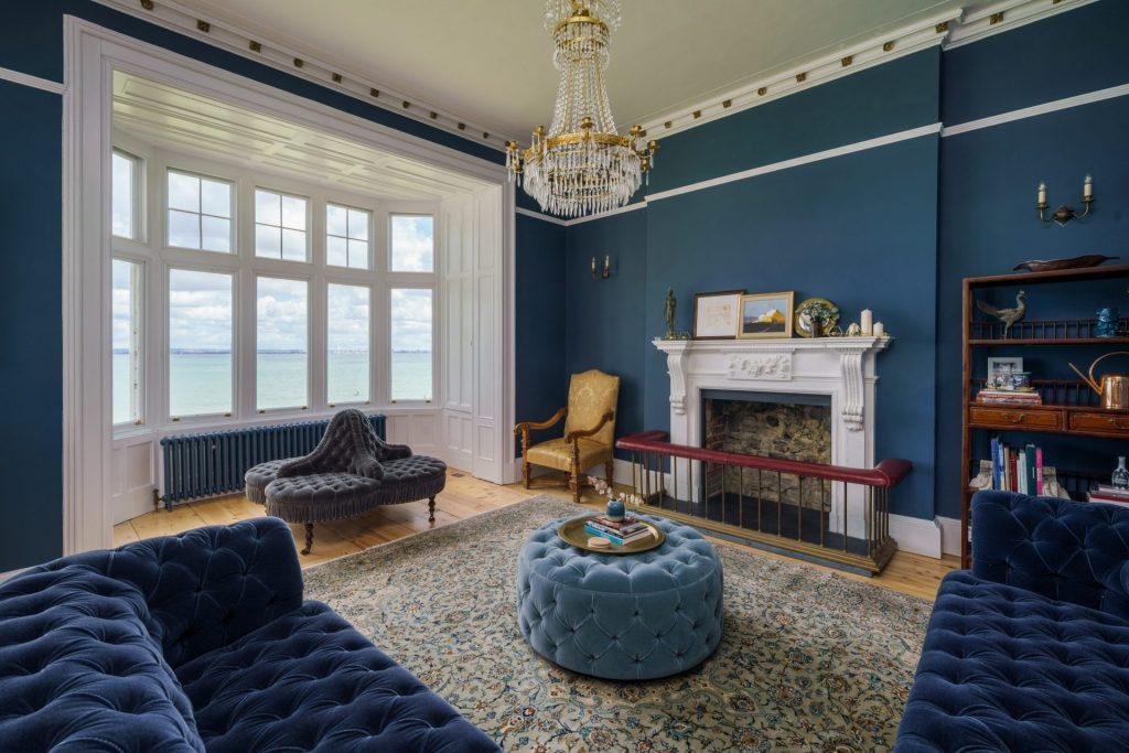 Lounge, Fireplace, Sea View