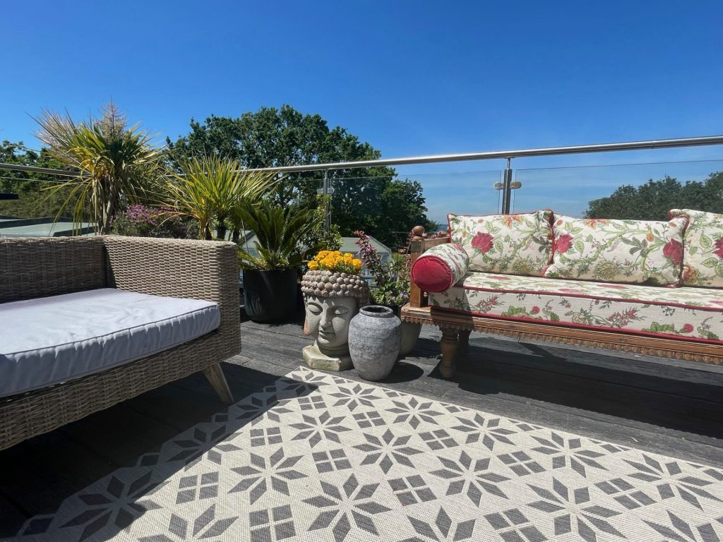 Outdoor Living Deck & Sea Views
