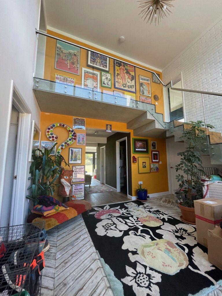 Hallway & Modern Stairs