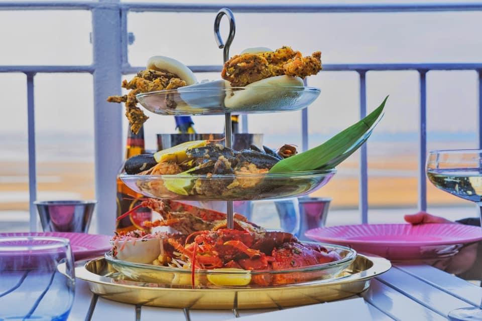 Restaurant Seafood Asian Balcony